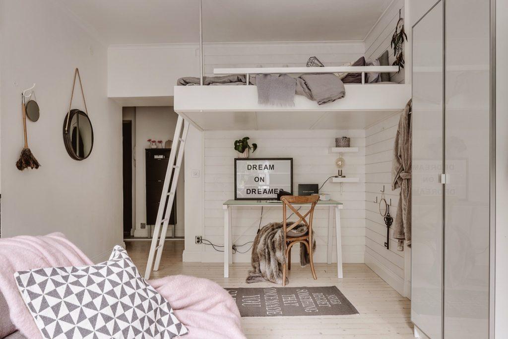 спальня подростка в пастельных цветах